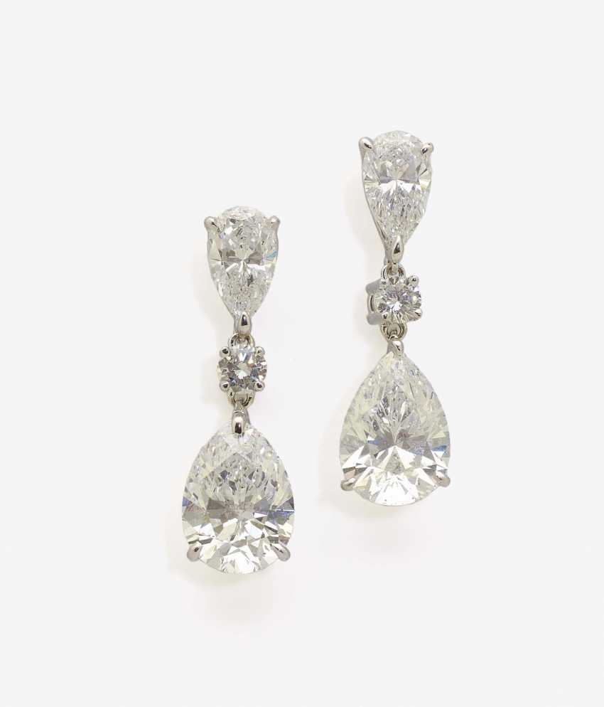 A PAIR OF CLASSIC ELEGANT STUD PIN PLUG DECORATED WITH DIAMOND DROP AND BRILLIANT-CUT DIAMONDS . Germany, 2000s - photo 1