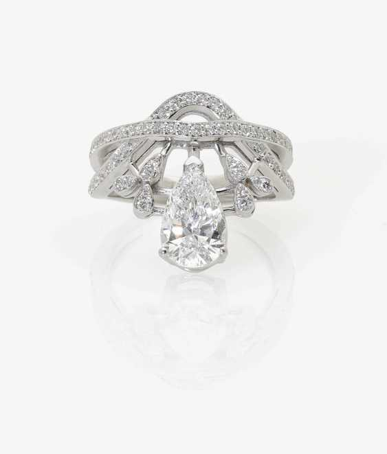 STYLIZED FLORAL COCKTAIL RING DECORATED WITH DIAMOND-BRILLIANT . Belgium, to 2016 - photo 1