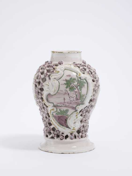 Magdeburg, In The Middle Of 18. Century . Grid vase - photo 1
