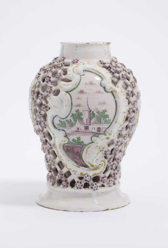 Magdeburg, In The Middle Of 18. Century . Grid vase - photo 2