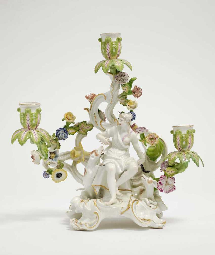 Meissen, Mid-18th. Century . Three-light chandelier with the hunting goddess Diana - photo 1