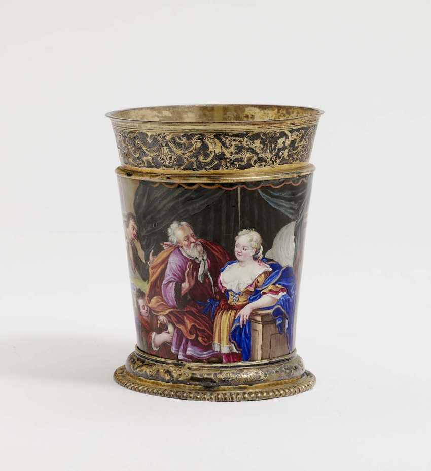 Augsburg, 1709 - 1712, Esaias III Busch, enamel painting probably by Johann Jacob I priest . MUG WITH COLORFUL ENAMEL DECORATION - photo 2