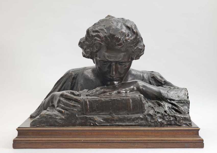 Ilse Twardowsky-Conrat (1888 Vienna - 1942 München), 1902 . Woman bust with book (self-portrait ?) - photo 1