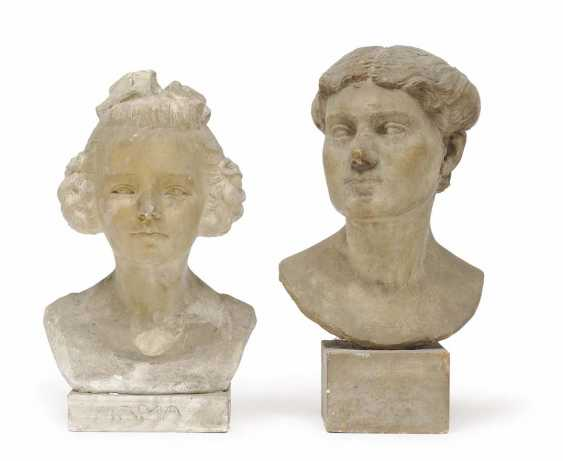 1930. TWO LADIES BUSTS - photo 1