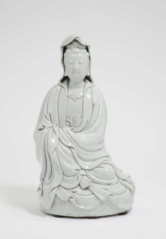 China, Qing, um 1900 . GUANJIN - photo 1