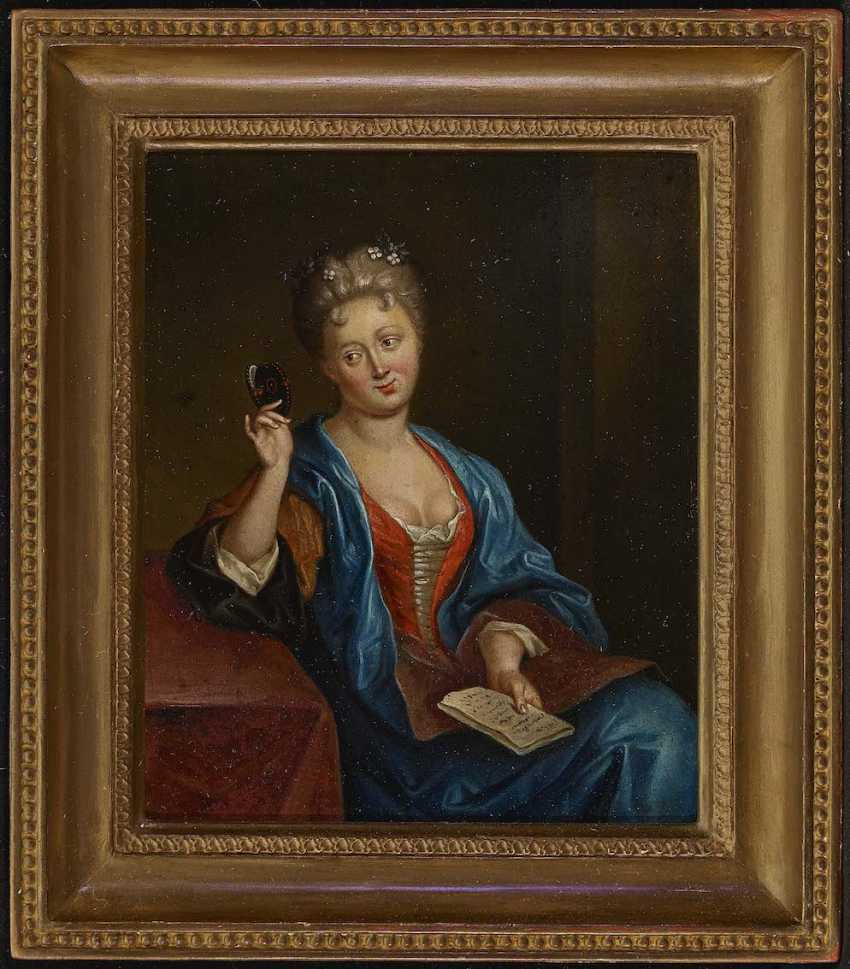 ENGLISH to 1720. Portrait of a lady while looking at a miniature - photo 2