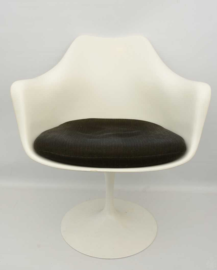 """KNOLL """"TULIP"""" CHAIR with armrests, fiberglass/cashmere, 1990s - photo 1"""