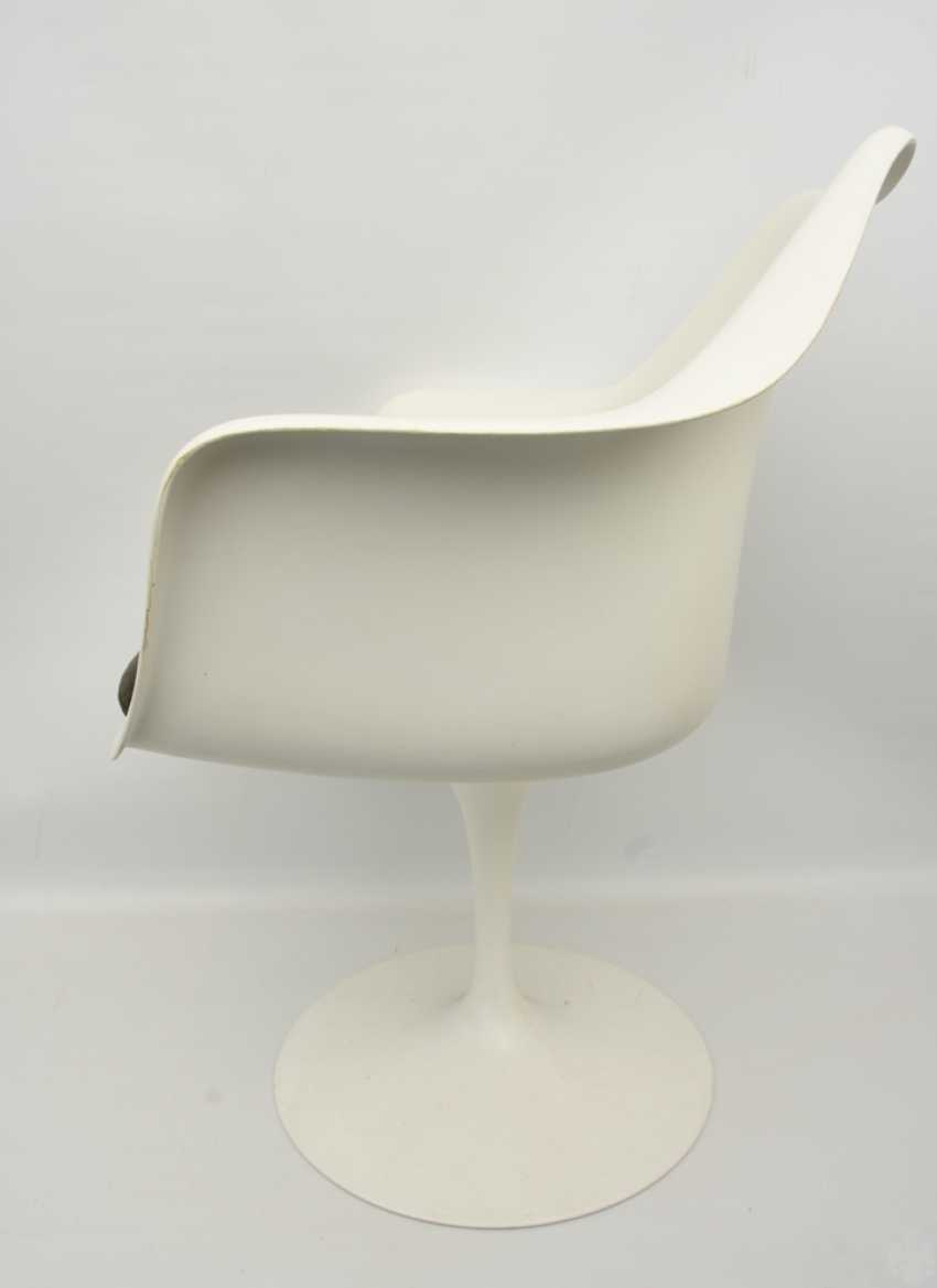 """KNOLL """"TULIP"""" CHAIR with armrests, fiberglass/cashmere, 1990s - photo 2"""