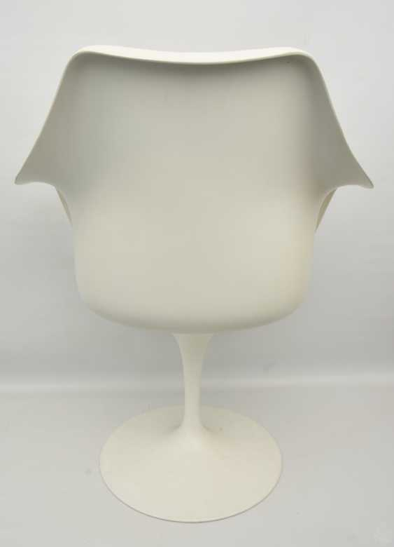 """KNOLL """"TULIP"""" CHAIR with armrests, fiberglass/cashmere, 1990s - photo 3"""