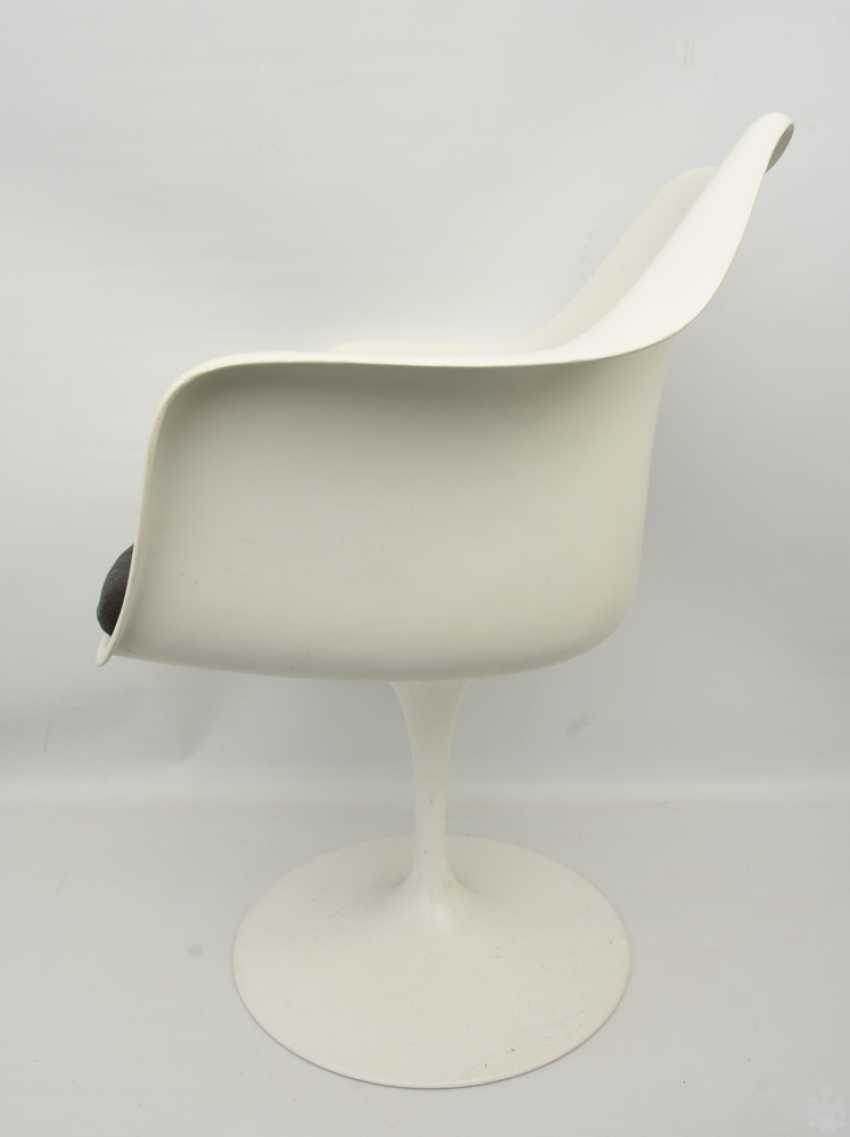 """KNOLL """"TULIP"""" CHAIR 2, with armrests, fiberglass/cashmere, 1990s - photo 2"""