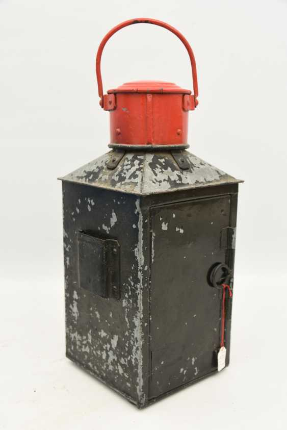 TRAIN - signal lantern, painted tin/glass/brass, 1900's - photo 3