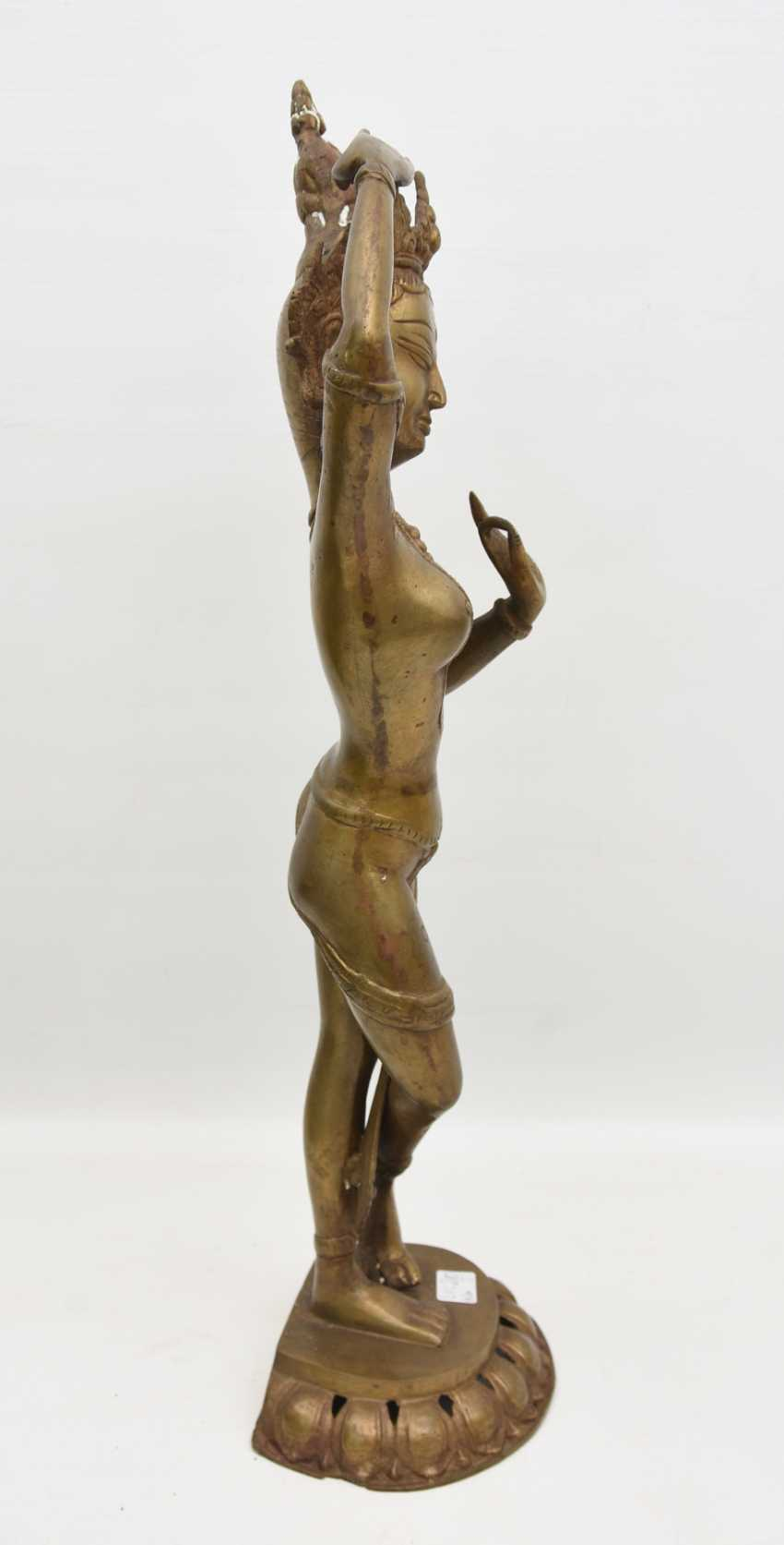 The temple dancer, Bronze, India 20. Century - photo 2