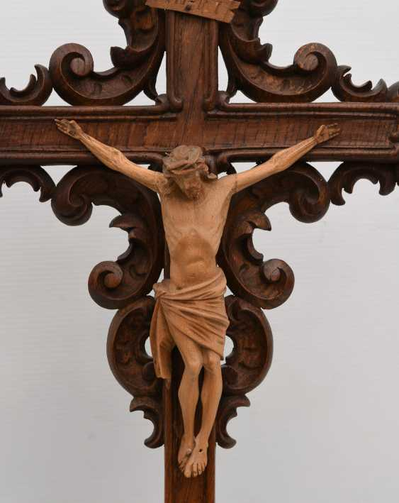 CRUCIFIX, WITH a corner booth, beschnitztes wood turned, 20. Century - photo 2