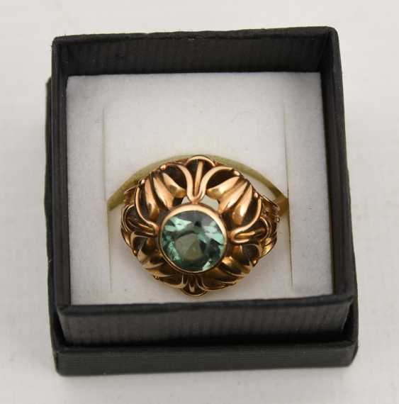 Emerald ring 585 yellow gold, stamped, mid 20's. Century - photo 1
