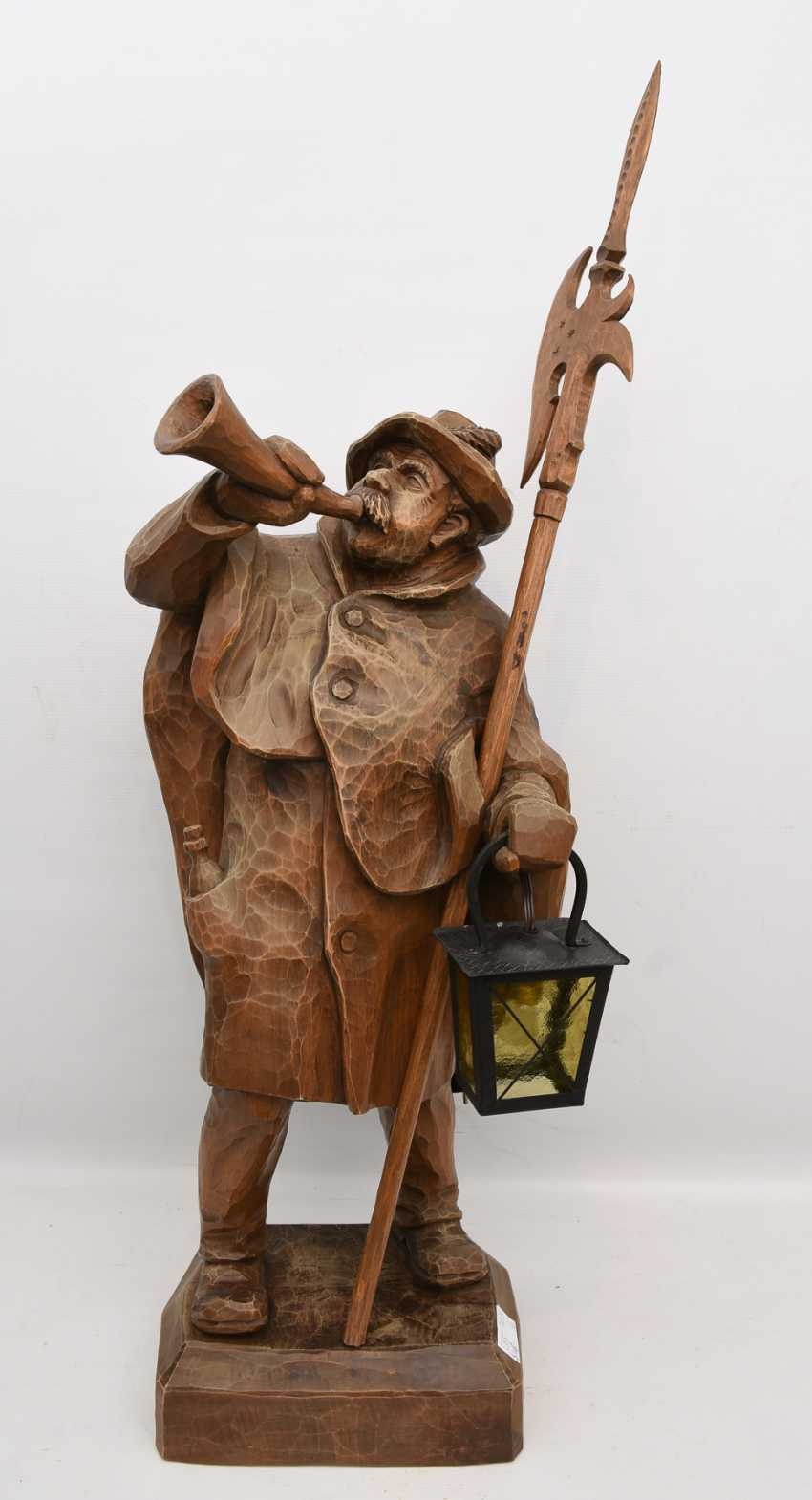 """Night watchman WITH LANTERN"", beschnitztes wood/glass, Germany 20. Century - photo 1"