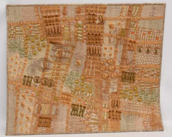 KNÜPFBILD/wall carpet, felt,wool, signed,yarn, and dated - photo 1