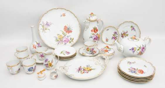 LUDWIGSBURG PORCELAIN COFFEE/tea service, painted/glazed equipped/gold, marked, 20. Century - photo 1