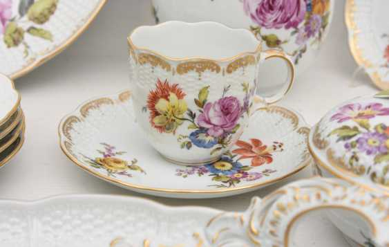 LUDWIGSBURG PORCELAIN COFFEE/tea service, painted/glazed equipped/gold, marked, 20. Century - photo 6