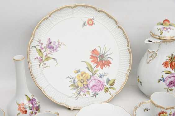 LUDWIGSBURG PORCELAIN COFFEE/tea service, painted/glazed equipped/gold, marked, 20. Century - photo 11