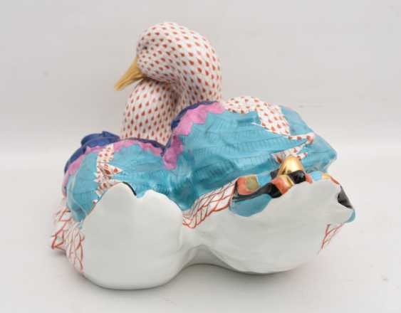 """HEREND PORCELAIN """"duck couple"""", painted glazed gold staffiertes porcelain,marked, Hungary at the end of 20. Jah - photo 5"""