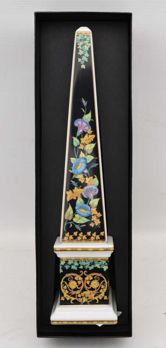 """ROSENTHAL MEETS VERSACE: the OBELISK """"GOLD IVY"""", painted equipped/glazed/gold, marked, 21. Century - photo 4"""