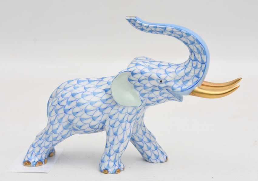 HEREND PORCELAIN ELEPHANT 2, glazed gold staffiertes porcelain, hand-painted, limited, marked, Hungary 20. Century - photo 1