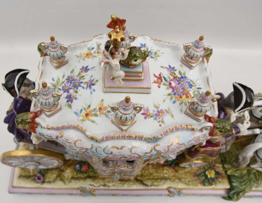 VOLKSTEDT porcelain manufactory: magnificent coach, painted glazed gold staffiertes porcelain, 2. Half of the 20. Century - photo 5