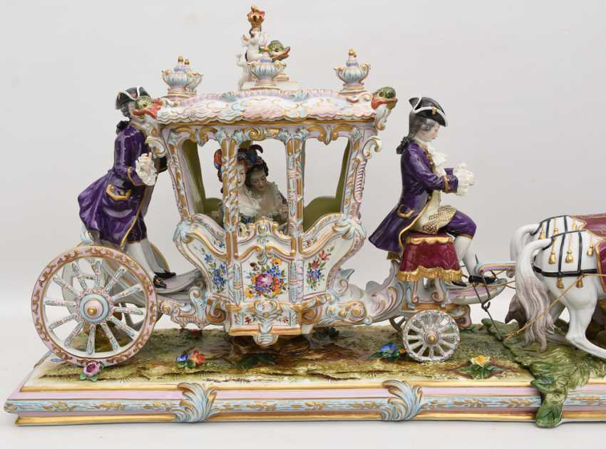 VOLKSTEDT porcelain manufactory: magnificent coach, painted glazed gold staffiertes porcelain, 2. Half of the 20. Century - photo 13