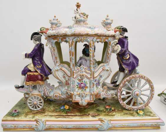 VOLKSTEDT porcelain manufactory: magnificent coach, painted glazed gold staffiertes porcelain, 2. Half of the 20. Century - photo 14