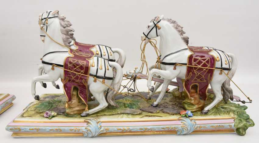 VOLKSTEDT porcelain manufactory: magnificent coach, painted glazed gold staffiertes porcelain, 2. Half of the 20. Century - photo 19