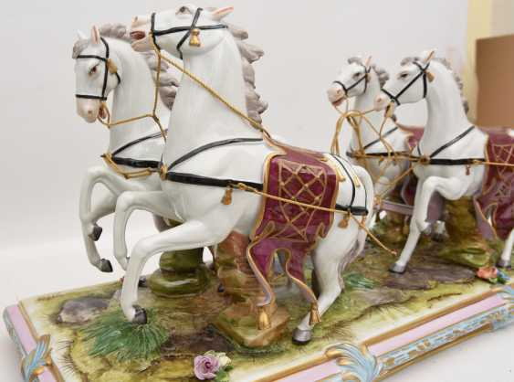 VOLKSTEDT porcelain manufactory: magnificent coach, painted glazed gold staffiertes porcelain, 2. Half of the 20. Century - photo 20