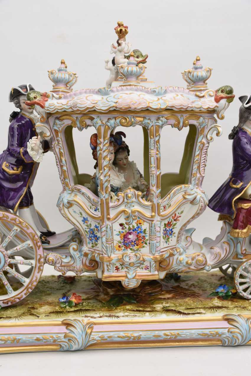 VOLKSTEDT porcelain manufactory: magnificent coach, painted glazed gold staffiertes porcelain, 2. Half of the 20. Century - photo 27