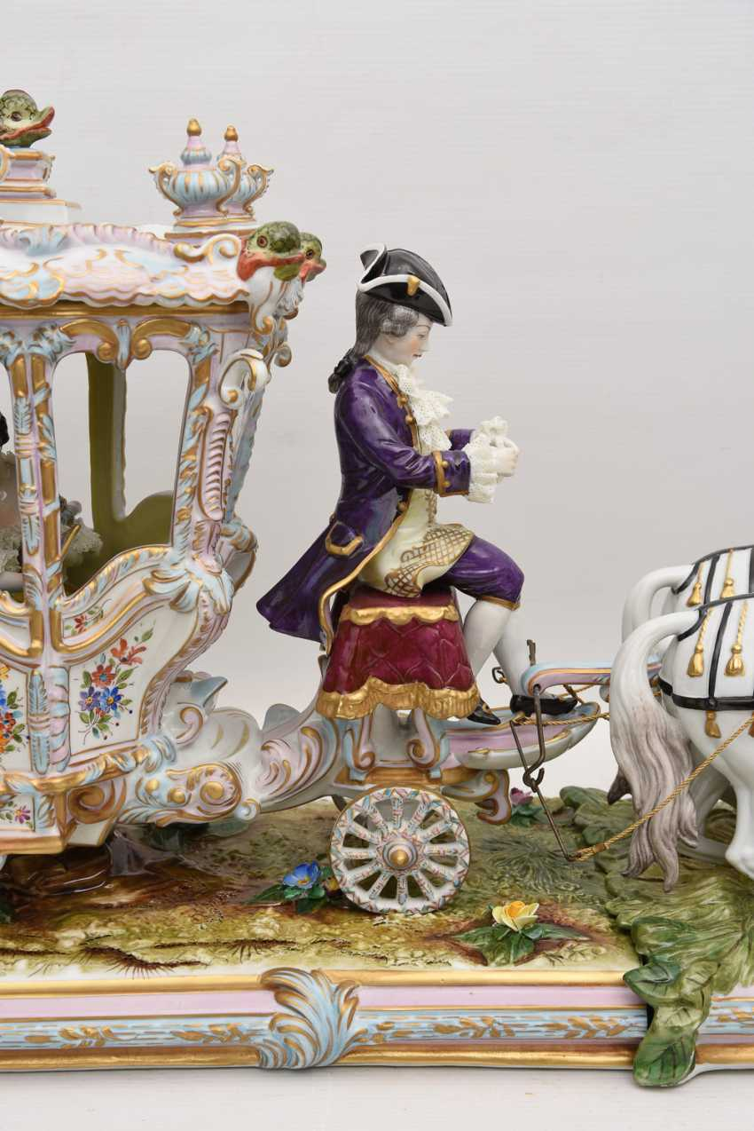 VOLKSTEDT porcelain manufactory: magnificent coach, painted glazed gold staffiertes porcelain, 2. Half of the 20. Century - photo 28
