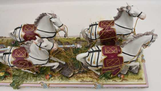 VOLKSTEDT porcelain manufactory: magnificent coach, painted glazed gold staffiertes porcelain, 2. Half of the 20. Century - photo 31