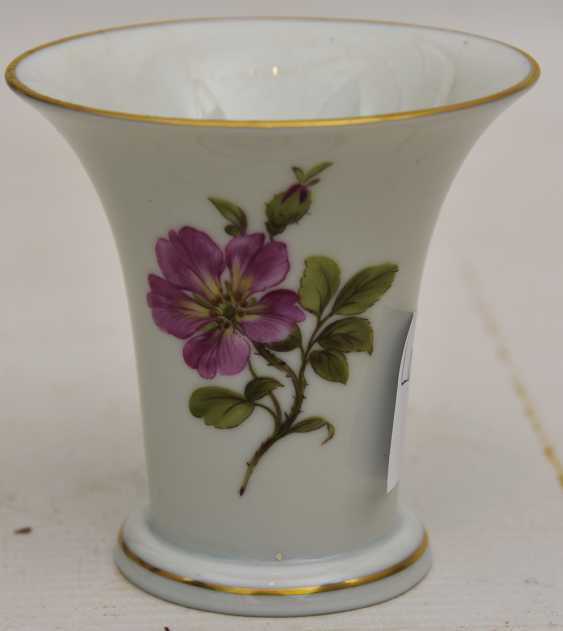 LUDWIGSBURG PORCELAIN VINTAGE, hand-painted, gold-equipped, marked, late 20's. Century - photo 5