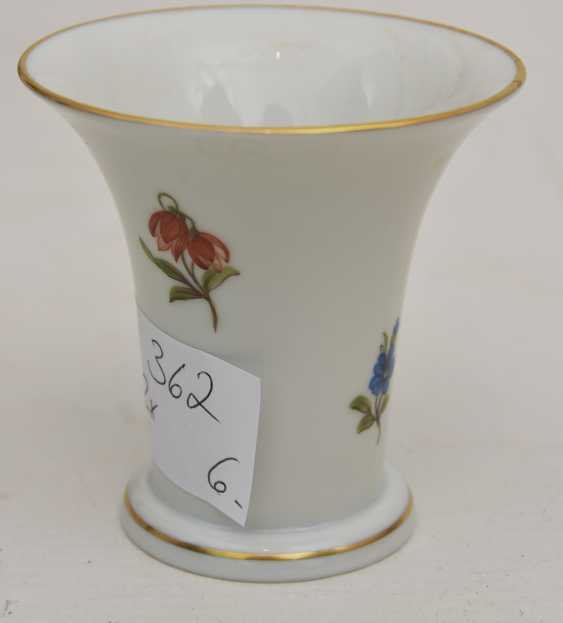LUDWIGSBURG PORCELAIN VINTAGE, hand-painted, gold-equipped, marked, late 20's. Century - photo 6