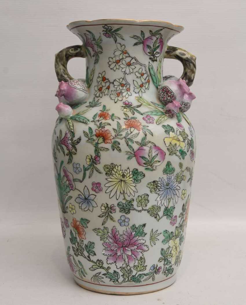 "VASE ""pomegranate blossom"",painted porcelain, marked, China 1. Half of the 20. Century - photo 2"