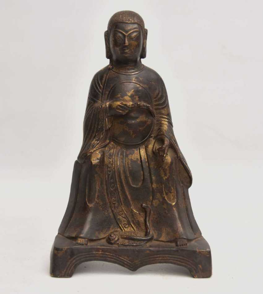 """""""OFFICER"""", a Statuette with gold leaf, China , late Ming dynasty - photo 1"""