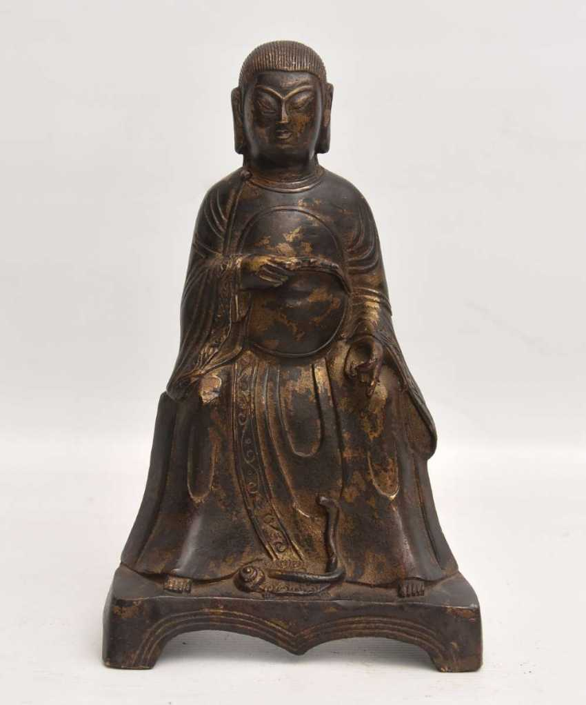 """""""OFFICER"""", a Statuette with gold leaf, China , late Ming dynasty - photo 2"""