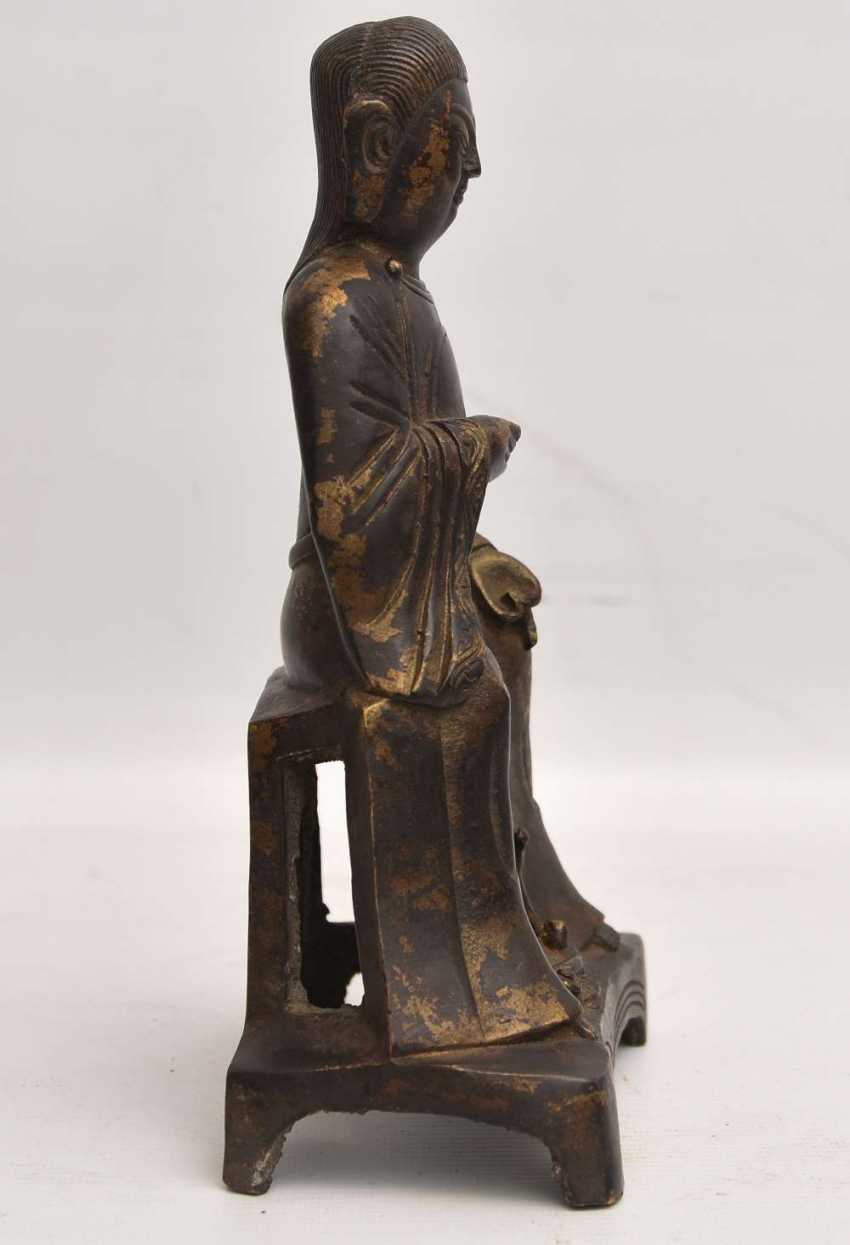"""""""OFFICER"""", a Statuette with gold leaf, China , late Ming dynasty - photo 3"""