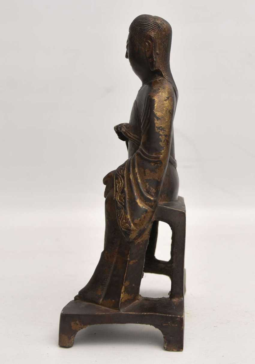"""""""OFFICER"""", a Statuette with gold leaf, China , late Ming dynasty - photo 5"""