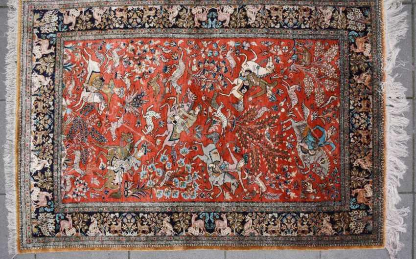 Hunting carpet KUN, silk on silk Orient 20. Century - photo 1