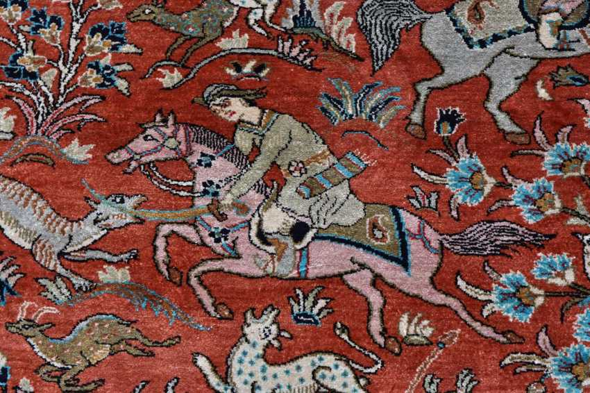 Hunting carpet KUN, silk on silk Orient 20. Century - photo 5