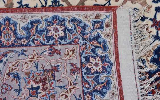 ISFAHAN, Dastur Sadegh Serafian, silk, signed, Central Iran 20. Century - photo 3