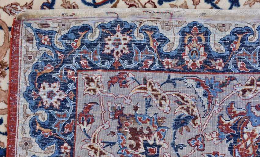 ISFAHAN, Dastur Sadegh Serafian, silk, signed, Central Iran 20. Century - photo 4