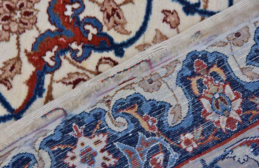 ISFAHAN, Dastur Sadegh Serafian, silk, signed, Central Iran 20. Century - photo 5