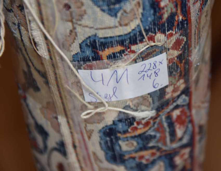 ISFAHAN, Dastur Sadegh Serafian, silk, signed, Central Iran 20. Century - photo 6
