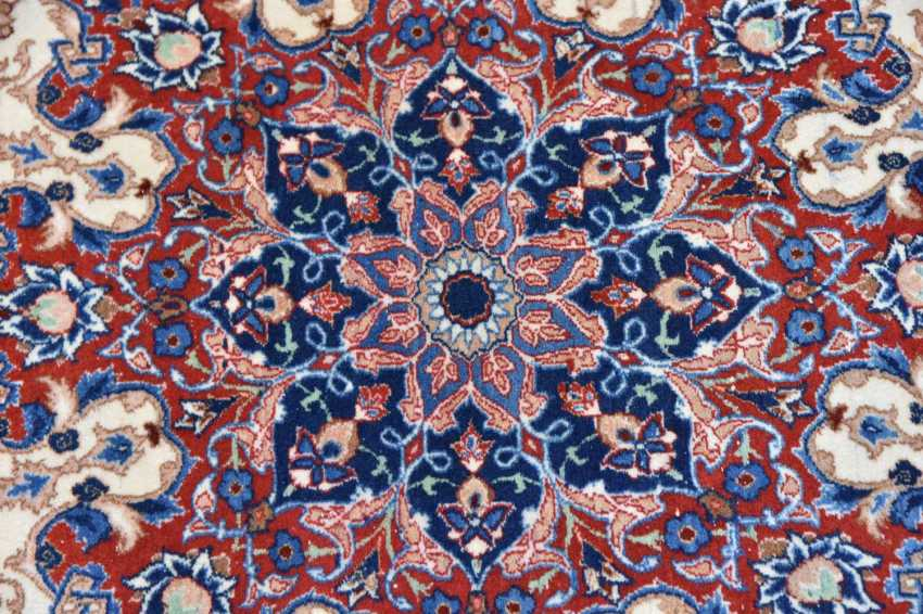 ISFAHAN, Dastur Sadegh Serafian, silk, signed, Central Iran 20. Century - photo 8