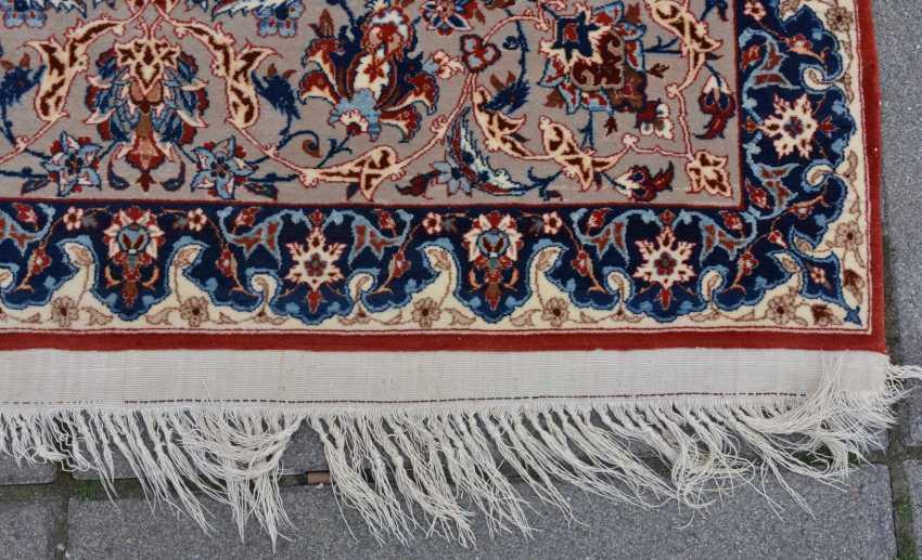 ISFAHAN, Dastur Sadegh Serafian, silk, signed, Central Iran 20. Century - photo 14