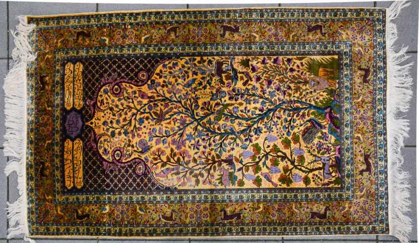 KESHAN prayer rug, silk, signed, Central Iran 20. Century - photo 2